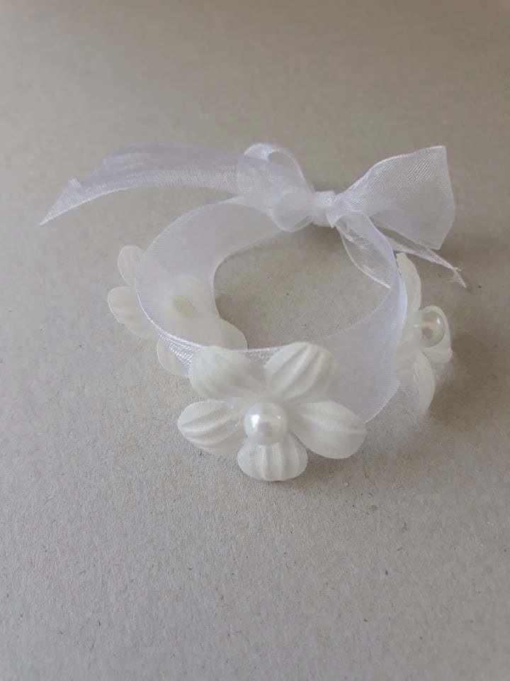 bracelet blanc et perles.jpg - Voir en grand