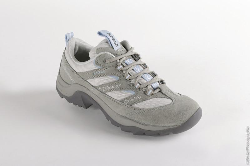Chaussures de randonnée Aigle grise, modèle NETANYA - Voir en grand