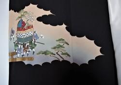 Kimono en soie femme noir traditionnel vintage - Motif avant droite - Comptoir du Japon - Voir en grand