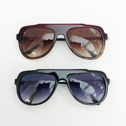thierrylasry2.jpg - Voir en grand