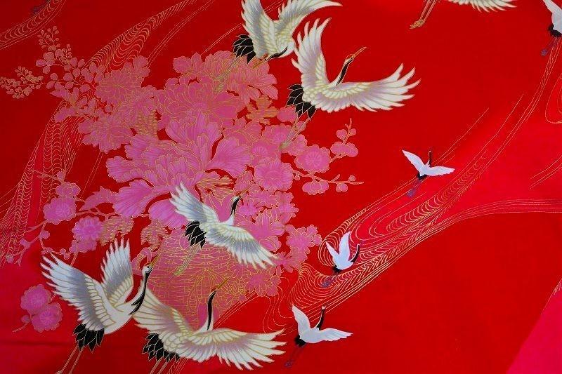 Yukata kimono en coton grues en vol rouge- femme - Comptoir du Japon - Voir en grand