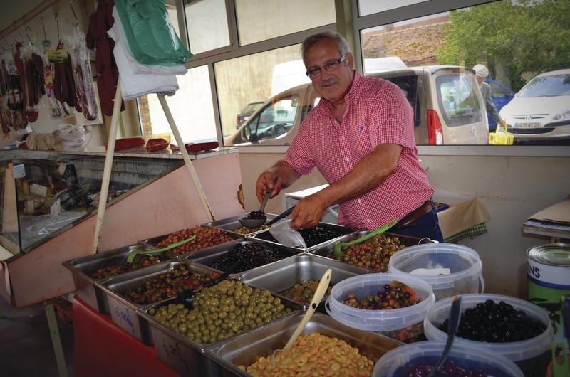 Antonio Perez, spécialités espagnoles et portuguaises - Plats cuisinés / Condiments / Cuisine du monde - HALLES DE MONTBARD, votre marché alimentaire de proximité - Voir en grand