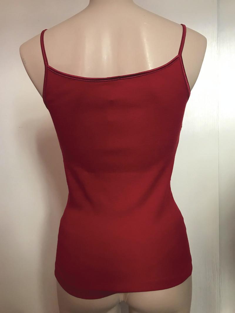 Madiva arianna caraco laine et soie rouge vif fines bretelles col v plastron dentelle fleurie Italie - Voir en grand