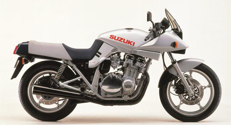 SUZUKI KATANA 1981 ANGEL'S MOTOS DIJON CHENOVE - Voir en grand