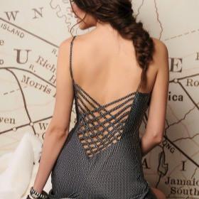 Marjolaine impériale soie lingerie nuisette combinette made france graphique - Voir en grand