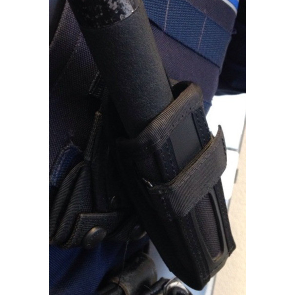 porte matraque télescopique gk 9860PSM-PM étui ceinture et à utiliser sur un gilet système molle - Voir en grand