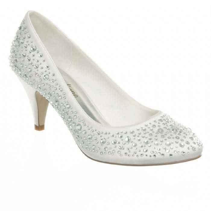 nouveau concept 2fe17 397eb Animation chaussures recouvertes de strass avec talon de 5cm