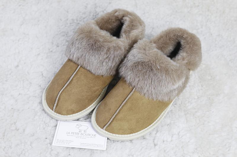 """Chaussons """"Quebec"""" en mouton retourné - Chaussons-pantoufles en peau et laine - La Petite Boutique - Voir en grand"""