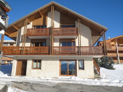 Appartements Alpe d'huez labellisés Charte Qualité   - Description des locations d'appartements - Chalet Eau Vive - Voir en grand