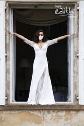 Masque barrière en dentelle blanche pour les mariées