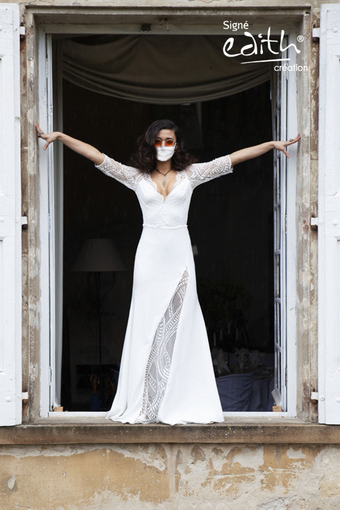 Masque barrière en dentelle blanche pour les mariées  - Voir en grand