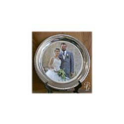 Assiette en métal argentée, contour en relief joliment ciselé, Mariage, marquage amalgame grenoble - Voir en grand
