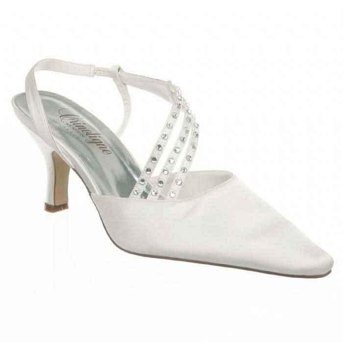 Copine chaussures de mariage signe edith creation de robes de mariés grenoble - Voir en grand