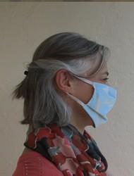Masque barrière à plis attaches derrière les oreilles