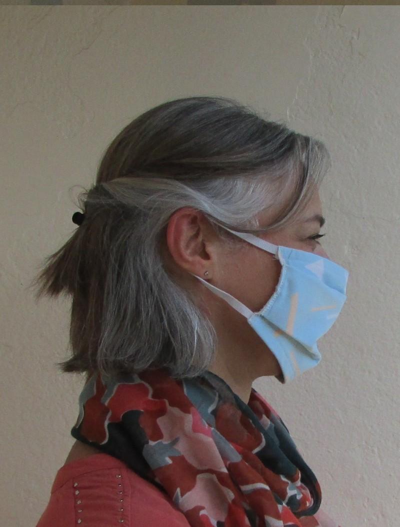 Masque anti projection en tissu lavable 2 couches de tissus non homologué - Voir en grand