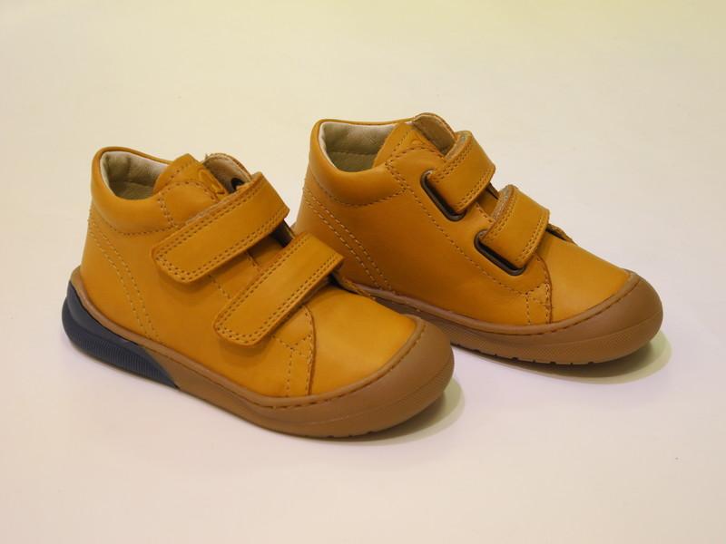 Chaussures montante velcros garçons - Voir en grand