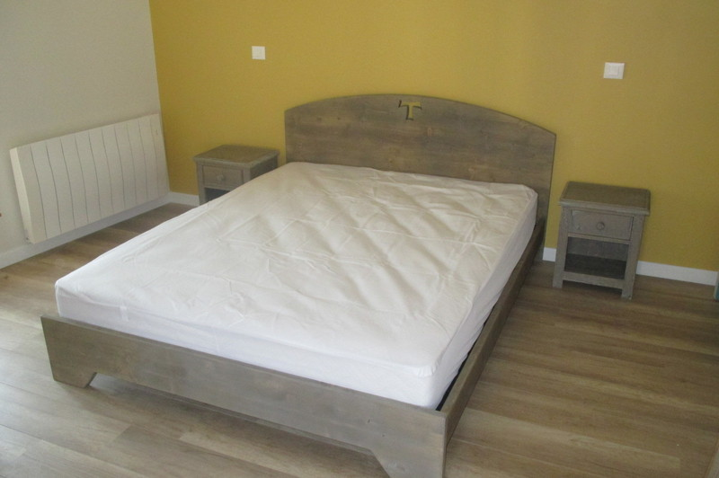 bois de lit 12 vercors literie. Black Bedroom Furniture Sets. Home Design Ideas