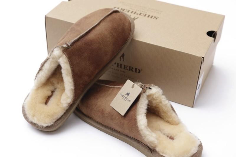 """Mules homme """"Gotland"""" en mouton retourné  - Mules peau et laine - La Petite Boutique - Voir en grand"""