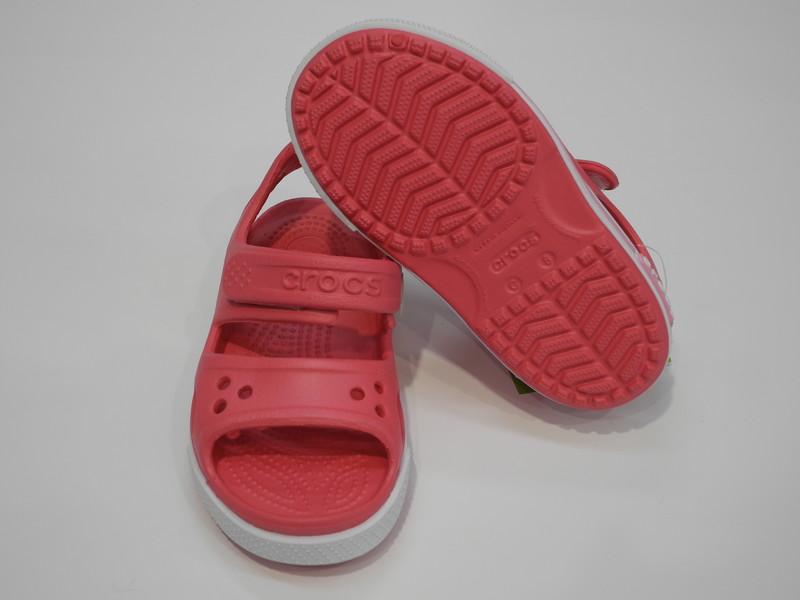 Nu-pied Crocs enfant rose - Voir en grand