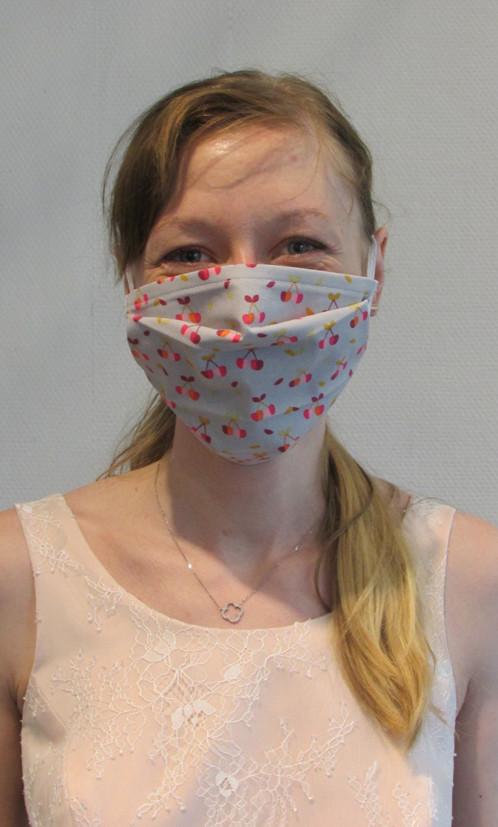 Masque barrière à plis en tissu lavable - Voir en grand