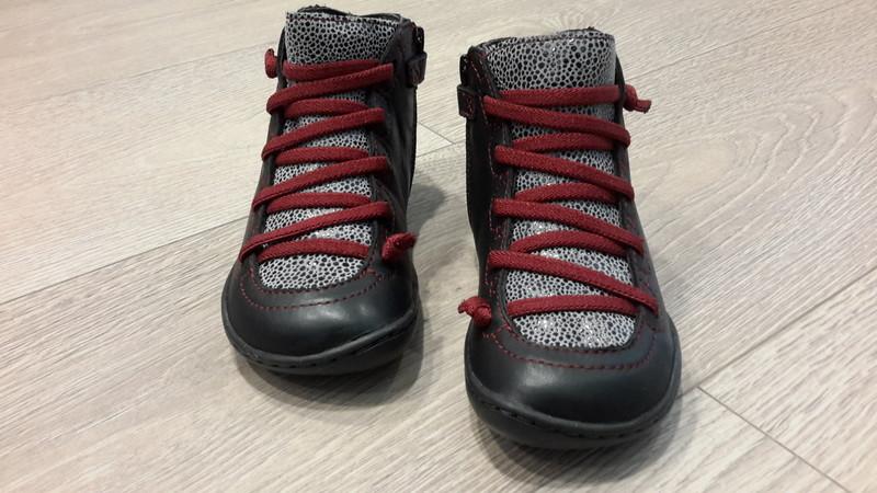 Chaussures CAMPER imprimé rouge et noir - Voir en grand