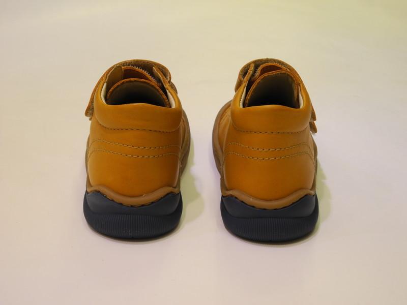 Chaussures enfant montante antidérapante - Voir en grand