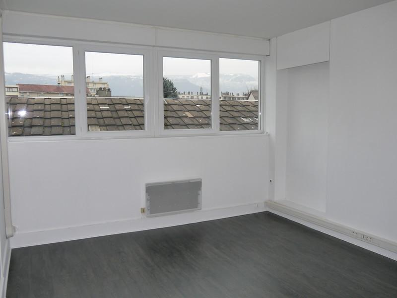 bureau grenoble 37m2 climatis s occup thermoflex location de bureaux grenoble. Black Bedroom Furniture Sets. Home Design Ideas