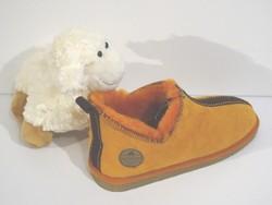 """Chaussons """"Moderno"""" orange en mouton retourné - Chaussons-pantoufles en peau et laine - La Petite Boutique - Voir en grand"""