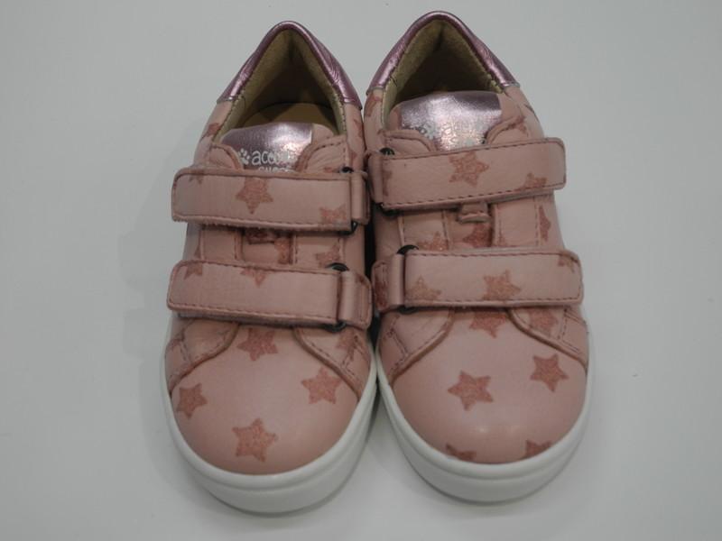 Chaussure basse rose à velcro - Voir en grand