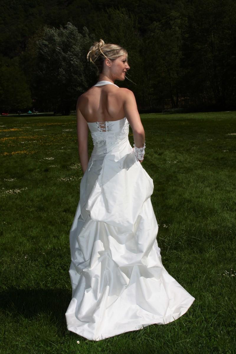 Robe de mariee modulable grenoble onctueuse détail dos - Voir en grand
