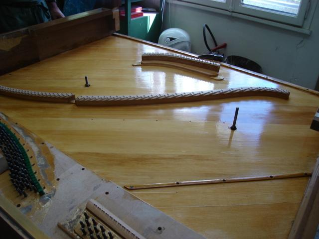 restauration table piano droit - Voir en grand