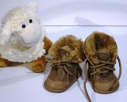 chausson style kickers - Chaussons laine et peau pour les tout petits - La Petite Boutique - Voir en grand