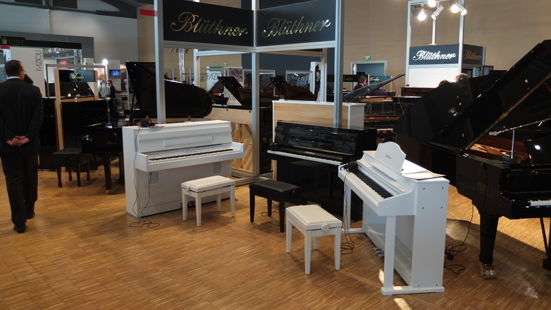 Piano numérique : conseils achat VOIR e klavier BLÜTHNER - Acheter Piano acoustique, piano numerique : consei - ART & PIANO - Patrick BLERIOT - Voir en grand
