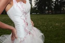 Robe de mariée grenoble détail devant - Voir en grand