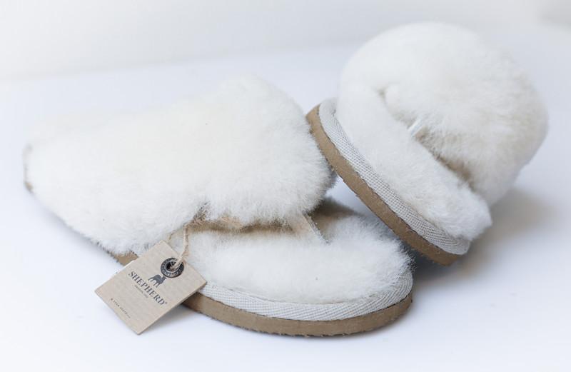 Tongs laine - Mules peau et laine - La Petite Boutique - Voir en grand