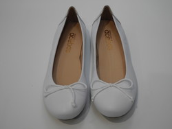 Ballerine en cuir blanc - Voir en grand
