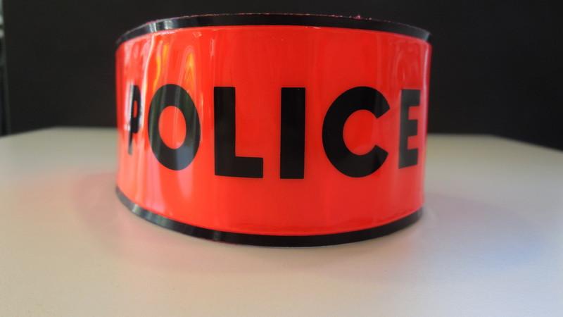 brassard police orange texte noir vercro - Voir en grand