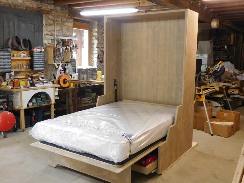 lit relevable ou lit armoire en 140x200 avec banquettes vercors literie. Black Bedroom Furniture Sets. Home Design Ideas