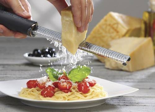 Zester 46020 parmesan-500.jpg - Voir en grand