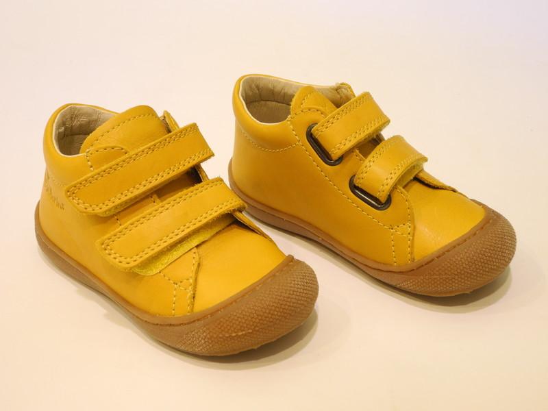 Chaussure bébé jaune  - Voir en grand
