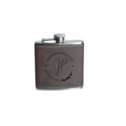 Flasque contenant un petit remontant en acier inoxydable qui dure dans le temps.