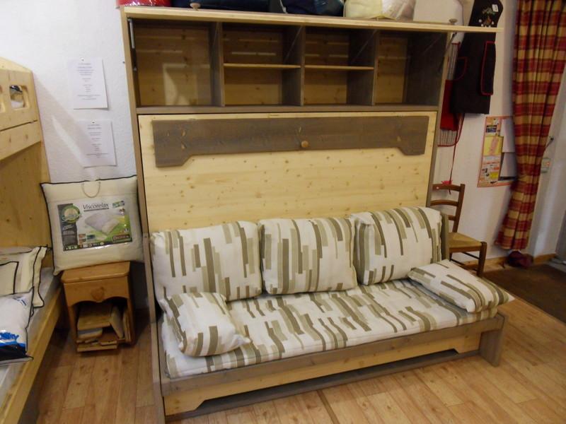 lit relevable avec banquette 11 vercors literie. Black Bedroom Furniture Sets. Home Design Ideas
