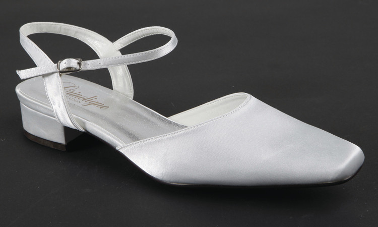 les chaussures crues et blanches sur mesure grenoble cr ation sign edith. Black Bedroom Furniture Sets. Home Design Ideas