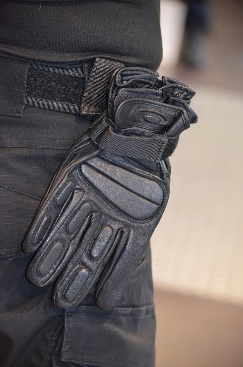 porte gants red label cordura de GK avec système de passants velcro toe concept - Voir en grand
