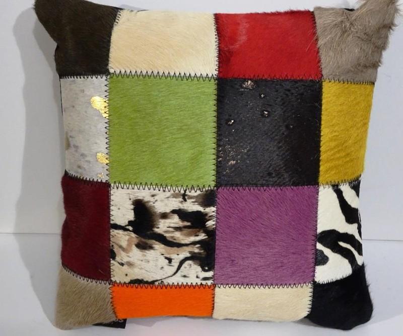 Coussin patchwork - Peaux et coussins  - La Petite Boutique - Voir en grand