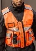 gilet sécurité haute visibilité multi-poches orange fluo bandes rétro flap personnalisable amovible  - Voir en grand