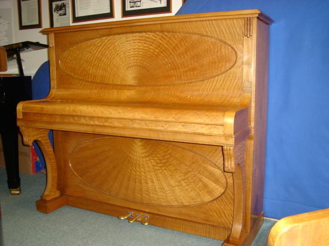 PIANO DROIT RESTAURE - Voir en grand