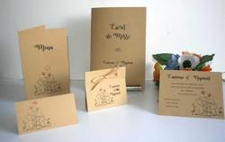 Menu mariage 2 elephants amoureux, papier kraft fines rayures, amalgame imprimeur grenoble - Voir en grand