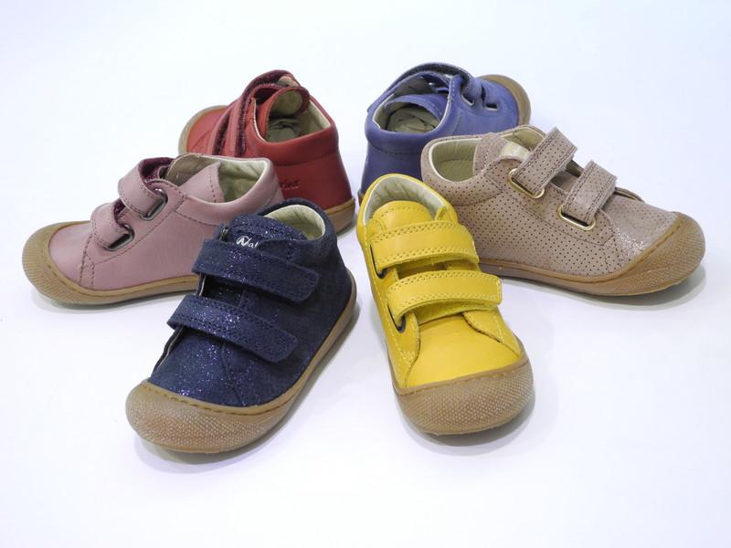 Chaussure bébé souple velcros - Voir en grand
