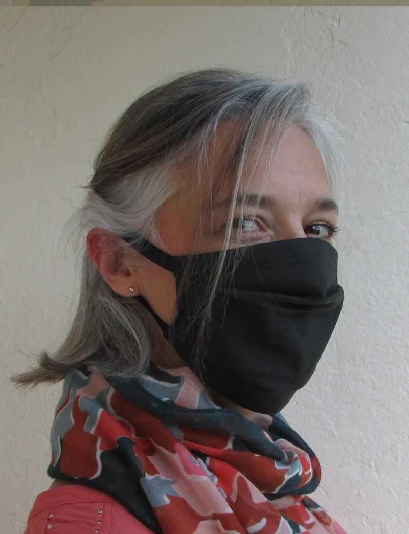 Masque barrière à plis attache derrière oreilles - Voir en grand
